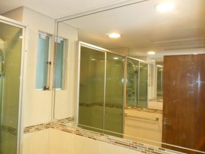 Mamparas y espejos para baño